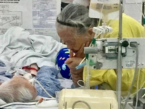 Bức ảnh trong bệnh viện lay động hàng triệu trái tim-1