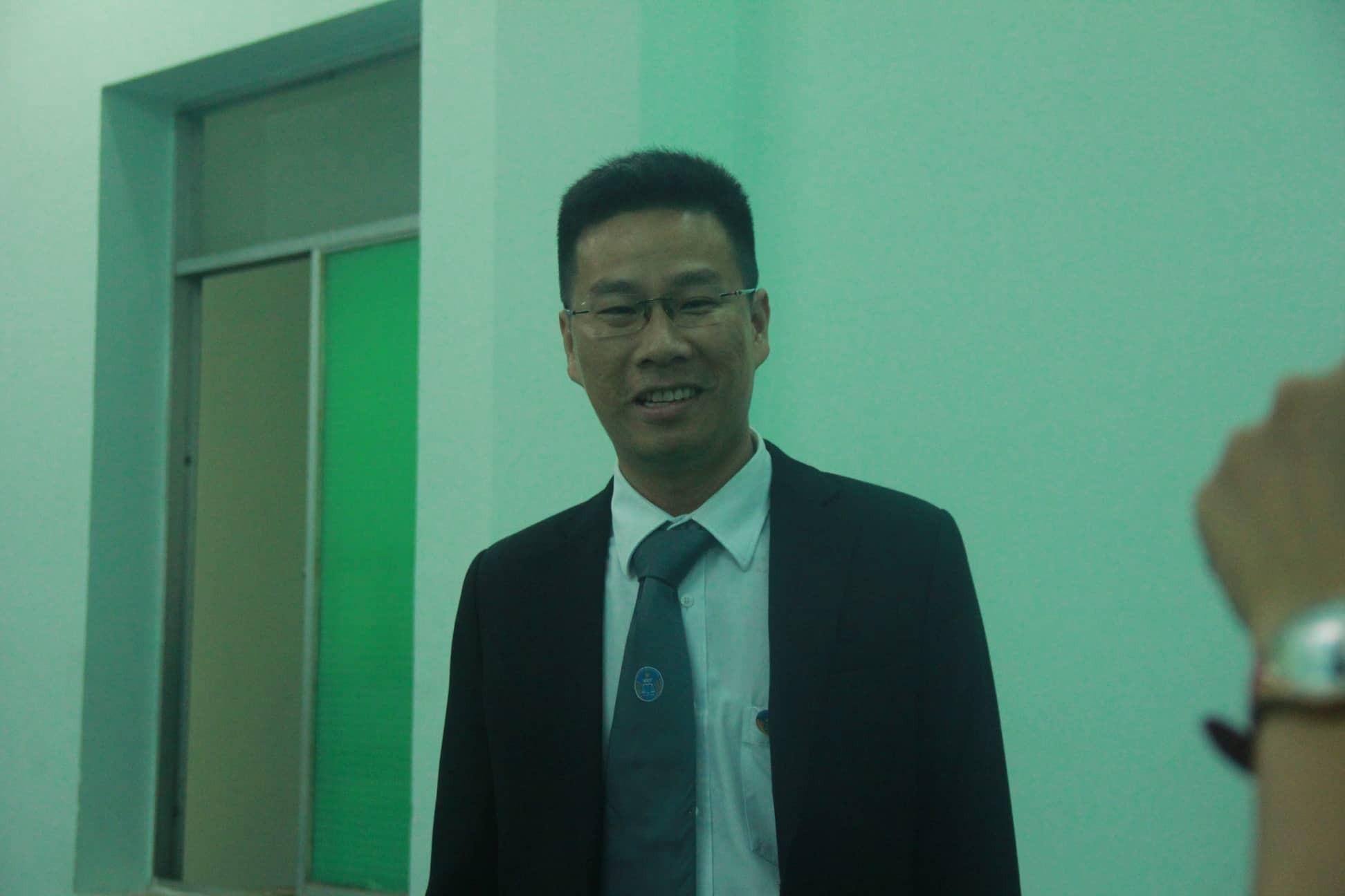 Nguyễn Hữu Linh chính thức bị xét xử tội dâm ô, công an phong tỏa nghiêm ngặt trước tòa án-7