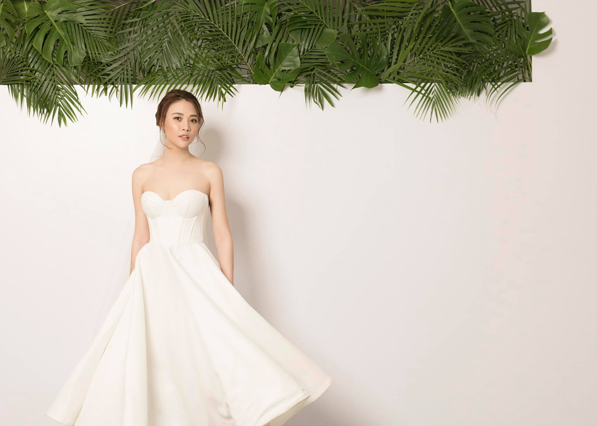 Không hổ danh Hoa khôi, Đàm Thu Trang tung ảnh cưới đơn giản nhưng vẫn xinh đẹp yêu kiều hết phần thiên hạ-1