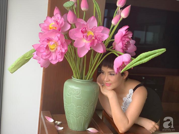 Níu giữ hương mùa hạ với những bình hoa sen đẹp dịu dàng trong tổ ấm của 3 người phụ nữ đảm ở Hà Nội-4
