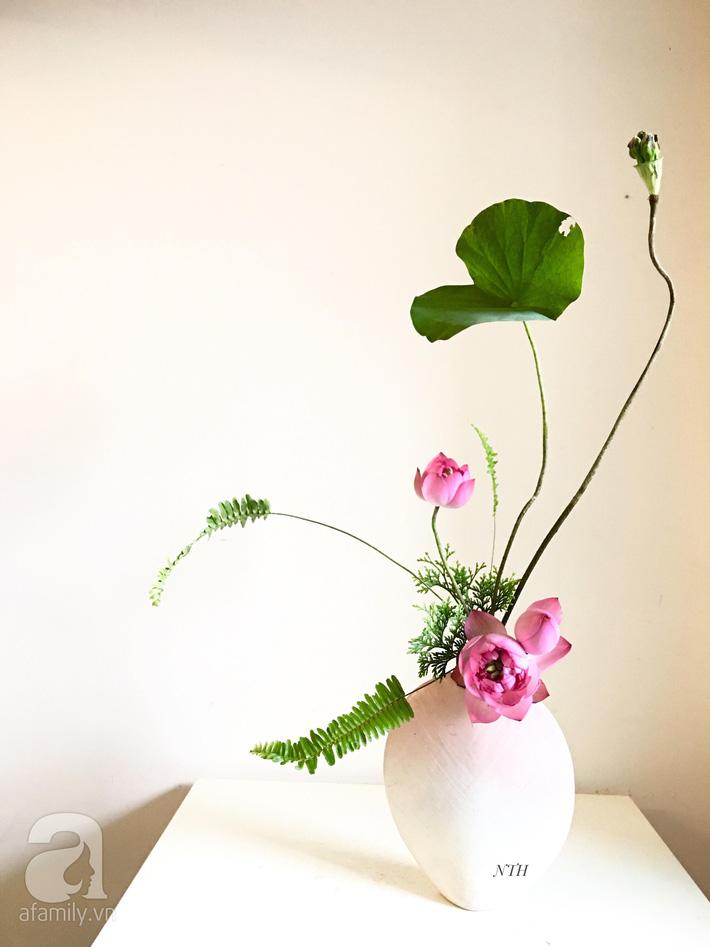 Níu giữ hương mùa hạ với những bình hoa sen đẹp dịu dàng trong tổ ấm của 3 người phụ nữ đảm ở Hà Nội-18