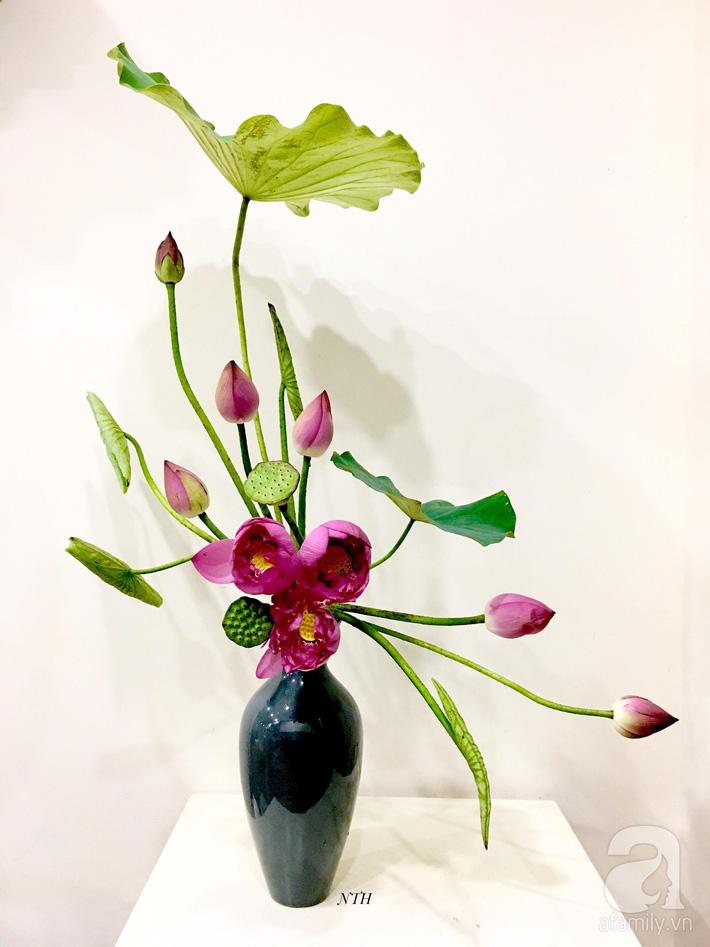 Níu giữ hương mùa hạ với những bình hoa sen đẹp dịu dàng trong tổ ấm của 3 người phụ nữ đảm ở Hà Nội-21