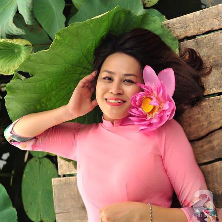 Níu giữ hương mùa hạ với những bình hoa sen đẹp dịu dàng trong tổ ấm của 3 người phụ nữ đảm ở Hà Nội-25