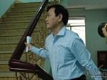 Hàng chục cảnh sát hộ tống Nguyễn Hữu Linh rời tòa-10