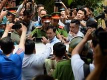 Hàng chục cảnh sát hộ tống Nguyễn Hữu Linh rời tòa