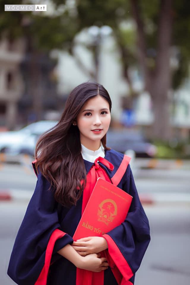 Nữ sinh khiến dân mạng truy tìm sau khi kết thúc buổi thi môn Văn kỳ thi THPT Quốc gia-7
