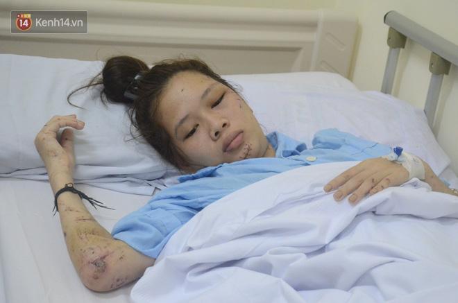 Nỗi đau tột cùng của người mẹ có 2 con gái thương vong vì tai nạn giao thông, 1 em mất trước kỳ thi THPT Quốc gia-4