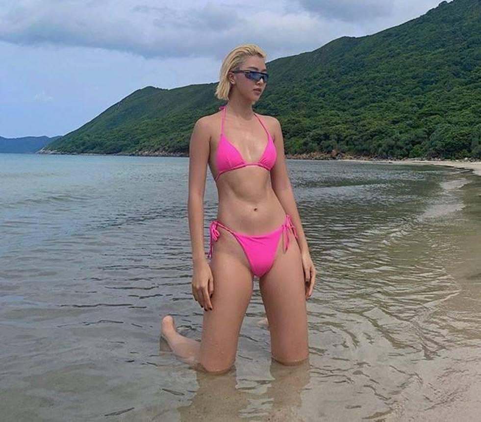 Loạt fashionista chăm diện bikini khoe vóc dáng nóng bỏng-8