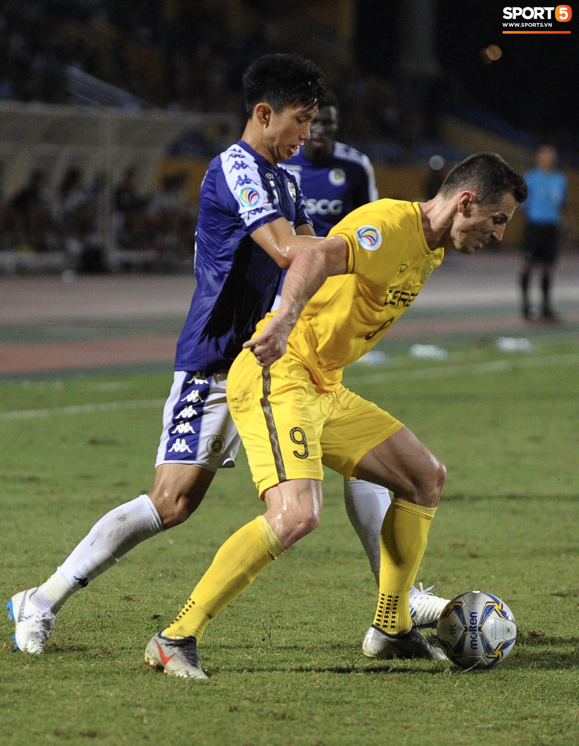 Trước tin đồn đến châu Âu thi đấu, Đoàn Văn Hậu vẫn nỗ lực hết mình vì Hà Nội FC-7
