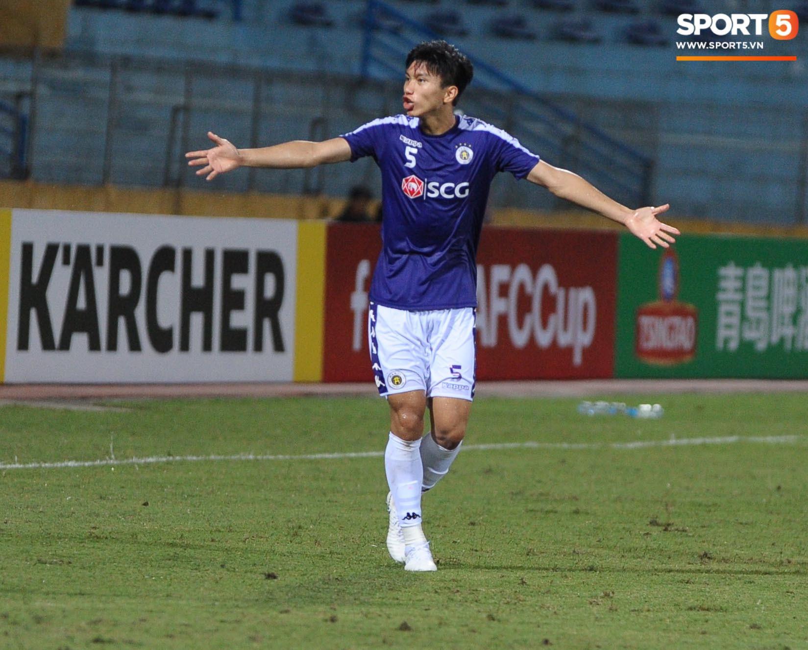 Trước tin đồn đến châu Âu thi đấu, Đoàn Văn Hậu vẫn nỗ lực hết mình vì Hà Nội FC-4