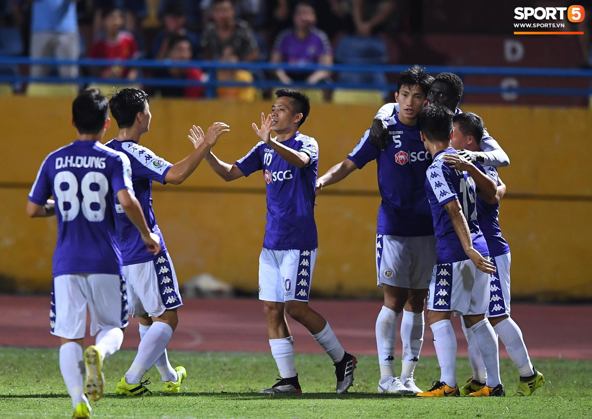 Trước tin đồn đến châu Âu thi đấu, Đoàn Văn Hậu vẫn nỗ lực hết mình vì Hà Nội FC-13