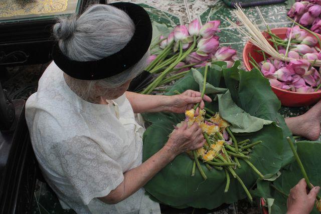 Thiên cổ đệ nhất trà sen của cụ bà U100 Hà Nội, giá 7 triệu đồng/kg-10