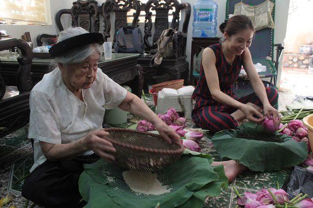 Thiên cổ đệ nhất trà sen của cụ bà U100 Hà Nội, giá 7 triệu đồng/kg-2
