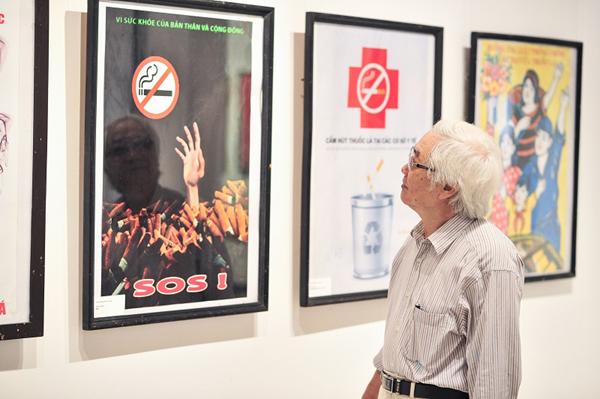 Triển lãm tranh cổ động Cuộc sống không khói thuốc năm 2019-5