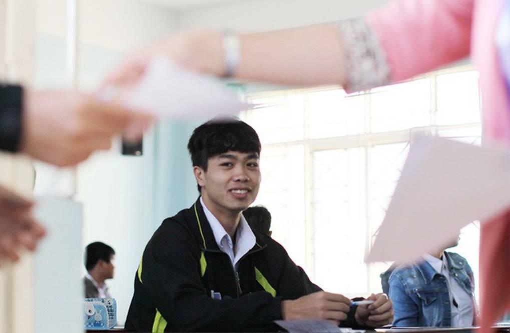 Lộ bảng điểm thi tốt nghiệp của dàn cầu thủ tuyển Việt Nam: Hồng Duy Pinky đội sổ nhưng người học giỏi nhất mới gây bất ngờ-1