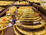 Soi nguyên nhân khiến giá vàng trong nước tăng phi mã-3