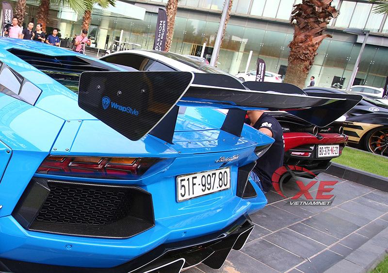 Doanh nhân Vũng Tàu nâng niu siêu bò Lamborghini Aventador hết mực-7