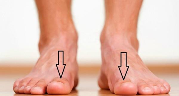 Bàn chân xuất hiện dấu hiệu này, cảnh báo thận đang ngày một suy kiệt, hãy điều trị sớm-1