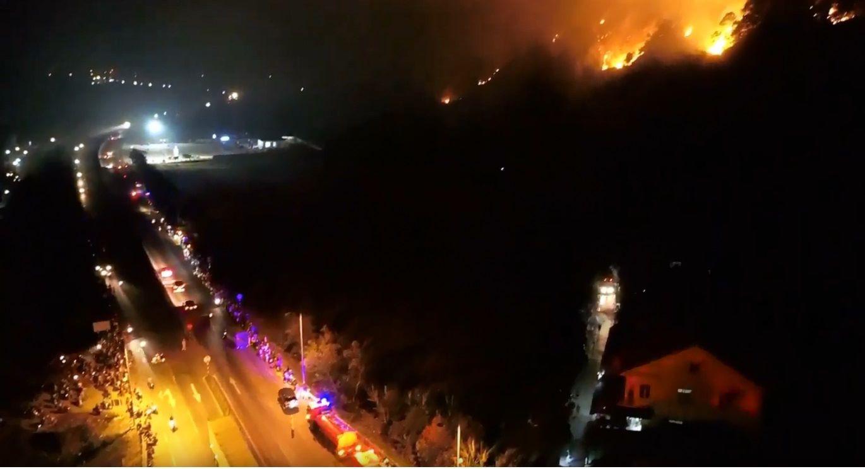 Cháy rừng ở Hà Tĩnh đe doạ nhiều nhà dân, hàng trăm người nỗ lực dập lửa gần 10 tiếng đồng hồ-5