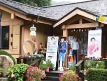 Tuyệt tình như gia đình Song Joong Ki, vừa có tin ly hôn đã gỡ bỏ hình ảnh Song Hye Kyo ra khỏi nhà