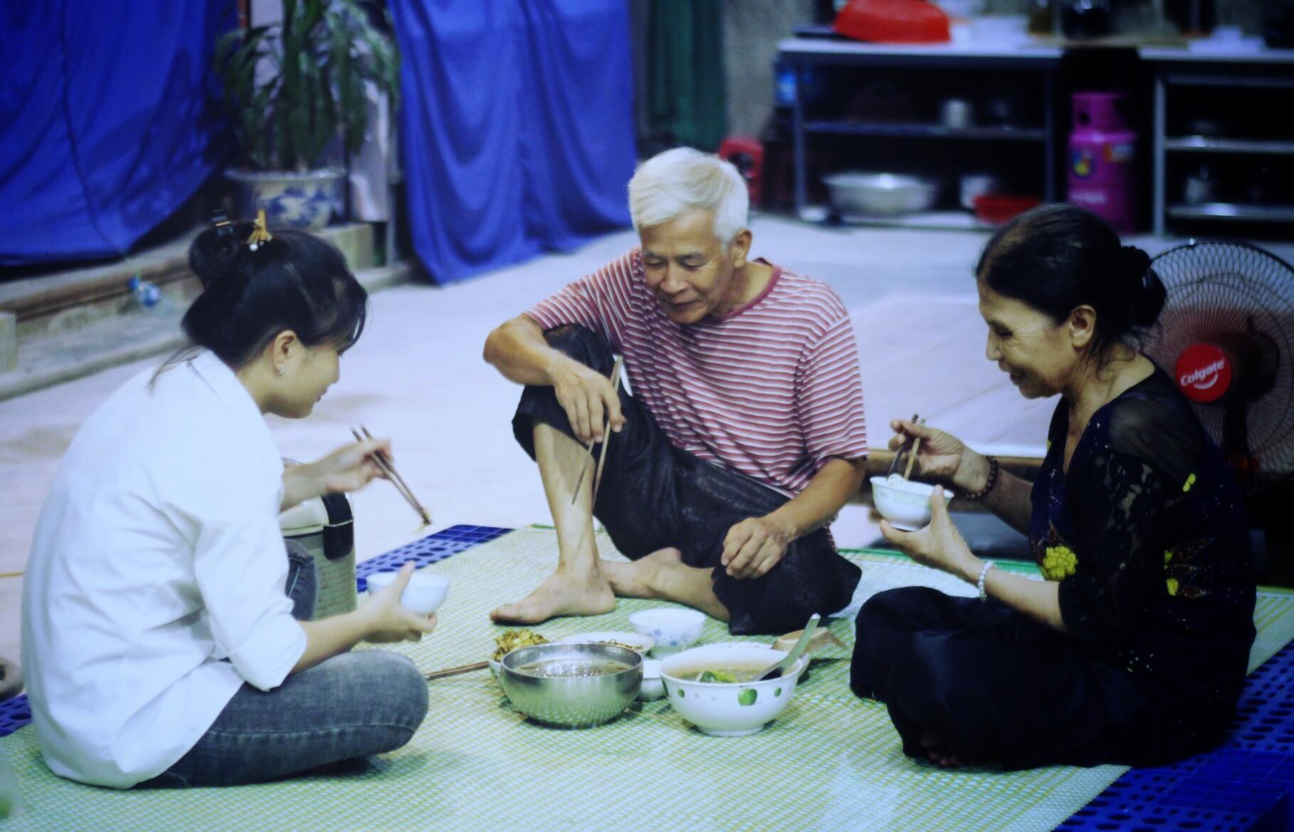 Nữ sinh mong đỗ ĐH để tổ chức đám cưới cho ông bà ngoại-1