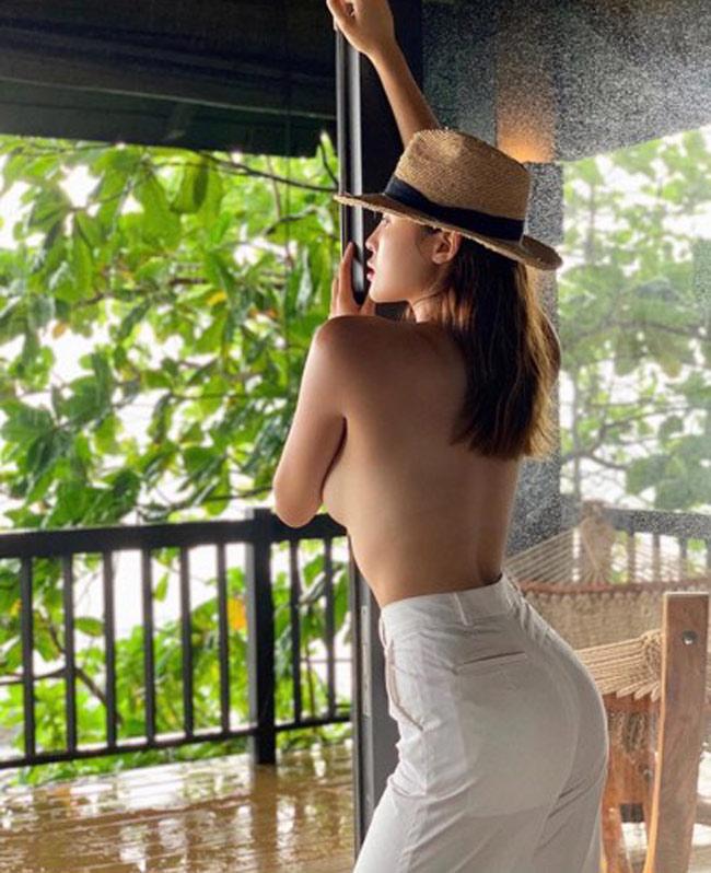 Những hoa hậu từng bạo dạn cởi áo chụp nude, vẫn không bỏ ngoài tai được thị phi-1