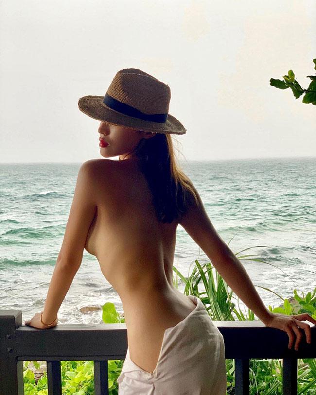 Những hoa hậu từng bạo dạn cởi áo chụp nude, vẫn không bỏ ngoài tai được thị phi-2