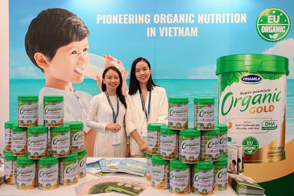 Vinamilk thuyết trình về xu hướng Ogranic tại hội nghị sữa toàn cầu-8