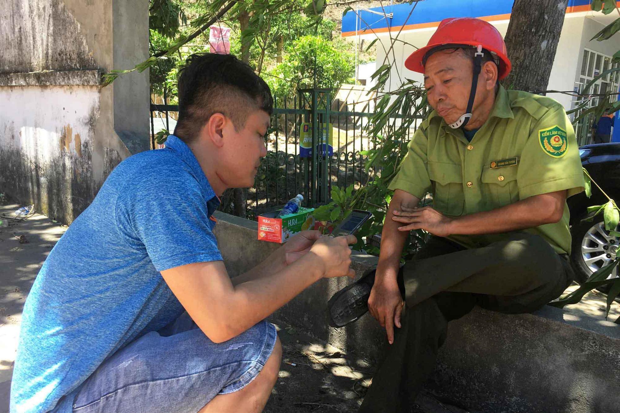 20 tiếng dầm mình trong biển lửa cứu rừng ngùn ngụt cháy ở Hà Tĩnh-12