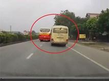 Clip: Hãi hùng cảnh xe buýt và xe khách đánh võng truy đuổi nhau trên quốc lộ 5