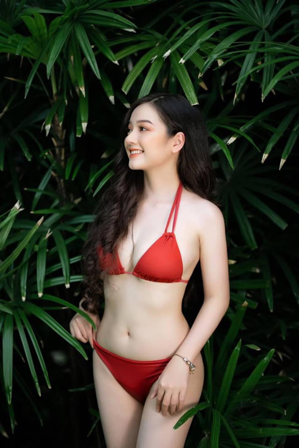 Cô gái mặc áo dài đẹp như Mai Phương Thúy khi diện bikini lại bốc lửa không ngờ-3