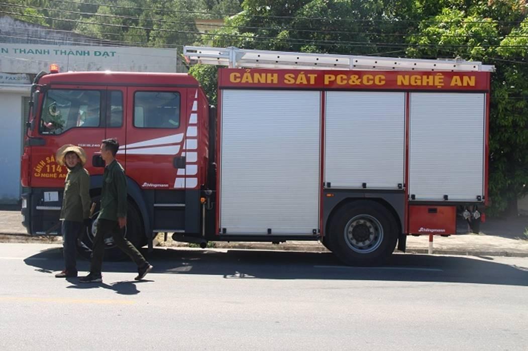 Cháy rừng lớn nhất ở Hà Tĩnh, chặn quốc lộ 1A, nghìn người dập lửa-5
