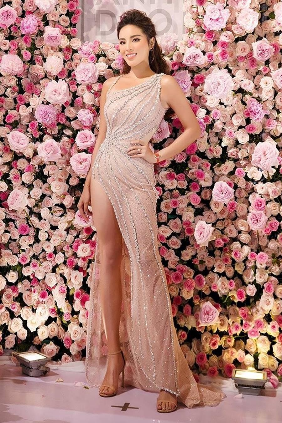 Hoa hậu Kỳ Duyên khoe dáng nóng bỏng với váy xuyên thấu sau khi giảm cân-1