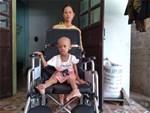 Bắt giữ nghi phạm sát hại mẹ ruột dã man bằng kéo ở Bình Phước-2