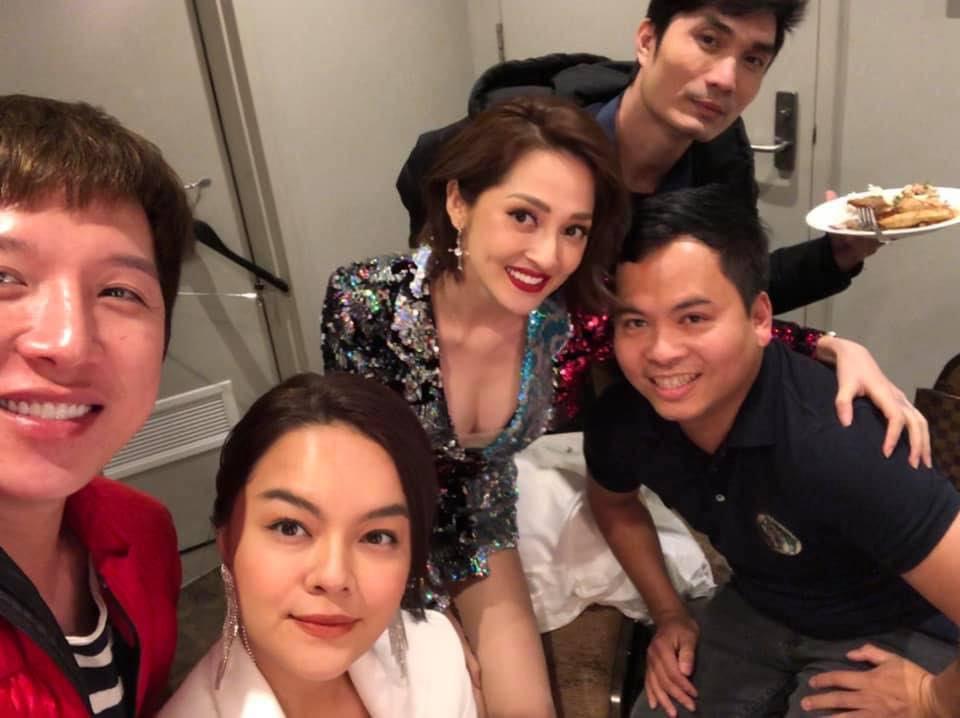 """Lần đầu tiên sau tin đồn tình địch, Phạm Quỳnh Anh và Bảo Anh chụp hình chung nhưng biểu cảm của ca sĩ đàn chị"""" thật khó hiểu-2"""