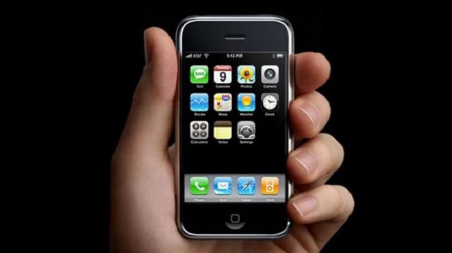 Ngày này cách đây 12 năm, chiếc iPhone đầu tiên đã ra mắt-2