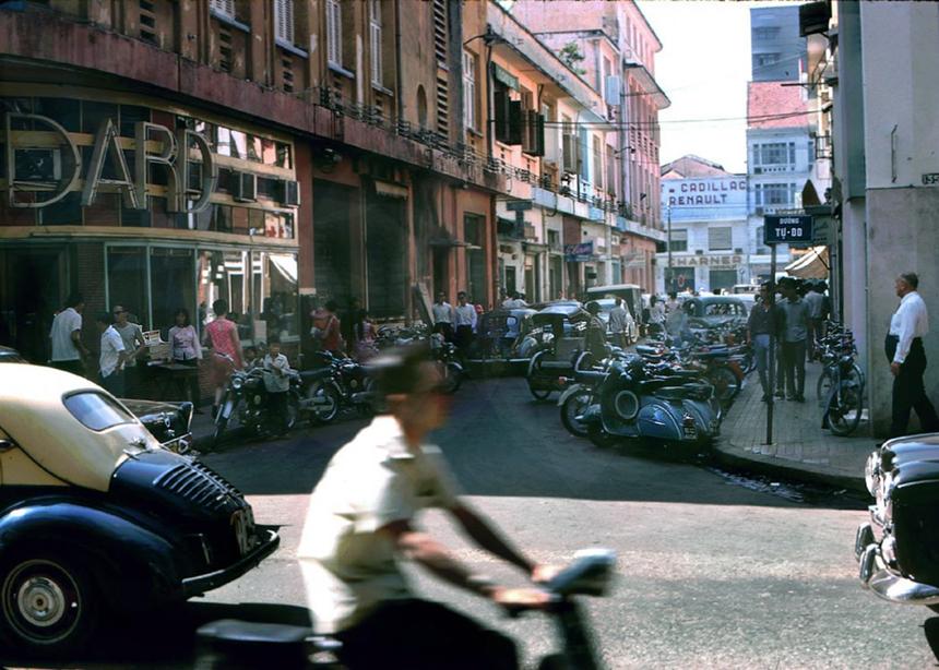 Hơn 1 tỷ đồng/m2 dọc con đường dài 90 m ở Sài Gòn-3