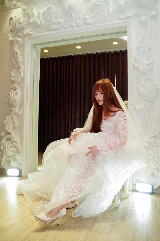 Thu Thủy cùng tình trẻ đi thử đồ cưới, đưa ra câu trả lời rõ ràng về thông tin cưới chạy bầu-4