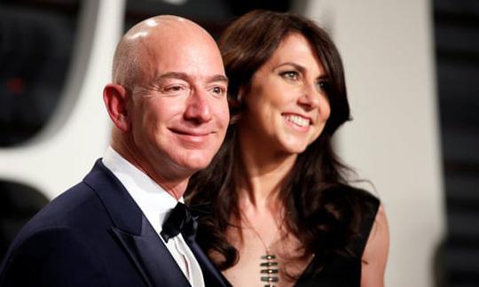 Sau ly hôn, vợ cũ của ông trùm Amazon thành phụ nữ giàu thứ 4 thế giới-1