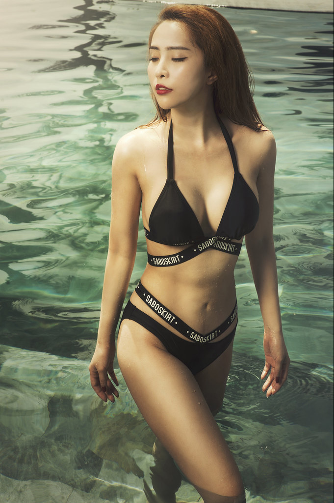 Hội bạn thân chăm diện bikini khoe ba vòng nóng bỏng nhất showbiz Việt-12