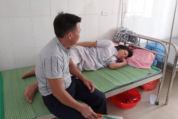Trẻ sơ sinh tử vong tại bệnh viện, người nhà tố bác sĩ kéo đứt cổ trẻ-2