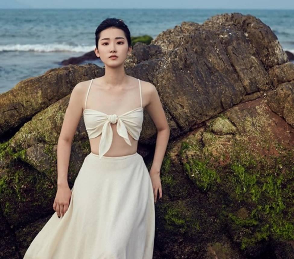 Nữ sinh 2000 đổ xô thi hoa hậu: Người đẹp Đà Nẵng giống Lưu Diệc Phi gây chú ý-8