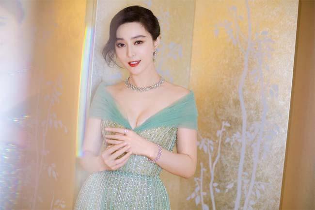 Song Hye Kyo, Phạm Băng Băng, Irina Shayk: Tuyệt đẹp mà vẫn đen tình-2