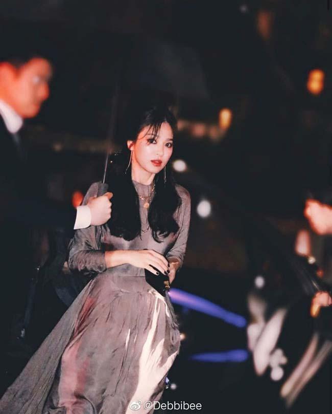 Song Hye Kyo, Phạm Băng Băng, Irina Shayk: Tuyệt đẹp mà vẫn đen tình-14