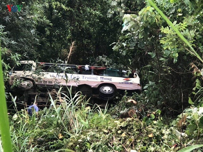 Xe khách lao xuống vực sâu 30m ở Quảng Ninh, 2 người tử vong-2