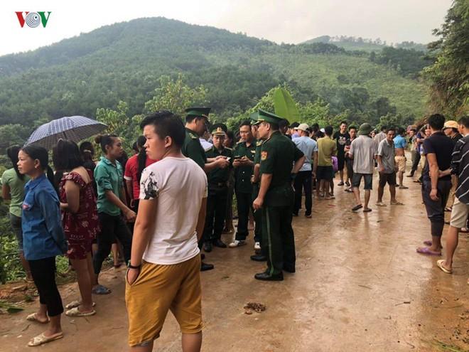 Xe khách lao xuống vực sâu 30m ở Quảng Ninh, 2 người tử vong-3
