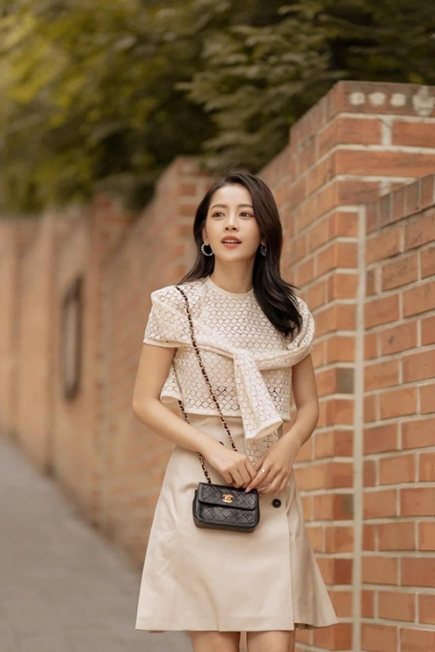 Diện trang phục như cô nàng công sở, Chi Pu cũng đẹp hết phần thiên hạ-2