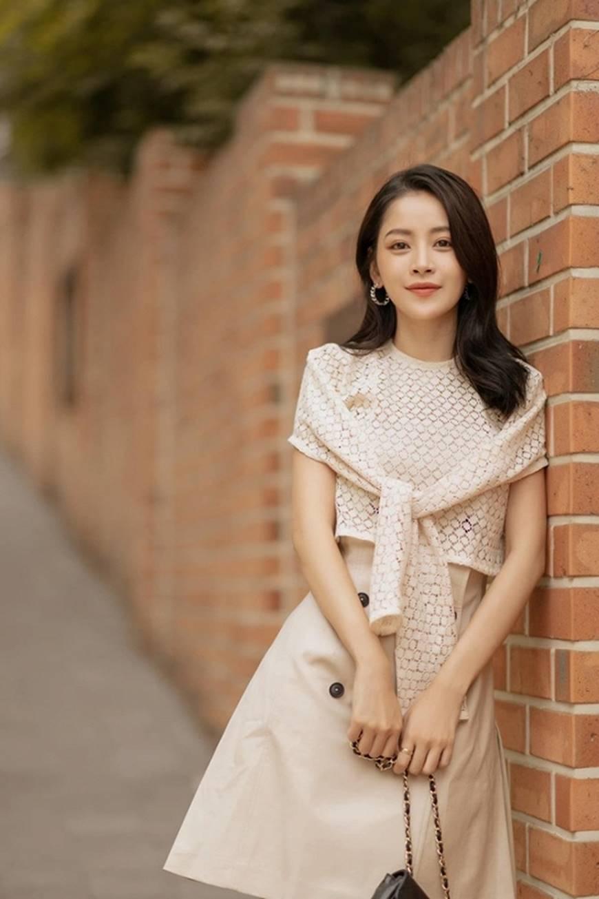 Diện trang phục như cô nàng công sở, Chi Pu cũng đẹp hết phần thiên hạ-6