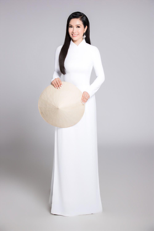Hoa hậu cao 1m57: Đi khắp 5 châu để cuối cùng chọn một người đàn ông thuần Việt, sống cuộc đời bình thường tối tối nấu cơm phục vụ chồng con-5