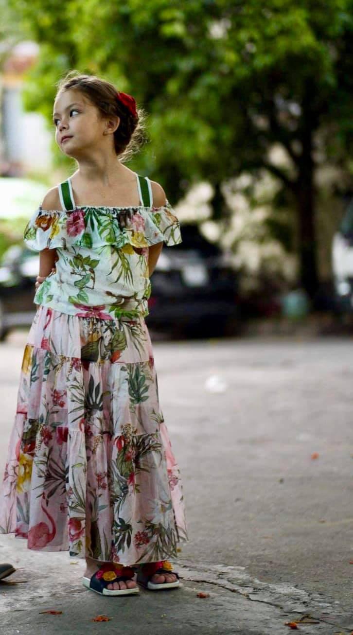 Mới 7 tuổi, con gái Hồng Nhung đã lộ rõ vẻ lai Tây xinh đẹp, được dự báo trở thành mỹ nhân tương lai của Vbiz-1